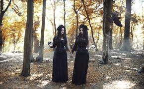 Обои лес, девушки, черепа