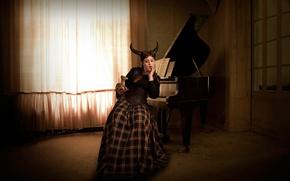 Картинка девушка, комната, пианино, фигурка