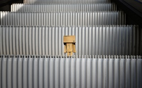 Картинка коробка, игрушка, картон, danbo, box, toy, escalator, эскалатор, 2560x1600, levels, ступенки, amazon, carton