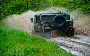 Обои грязь, внедорожник, Hummer, лес, брызги