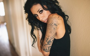 Картинка взгляд, девушка, брюнетка, тату, татуировки