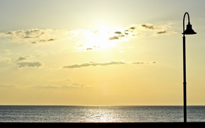 Картинка море, закат, светильник