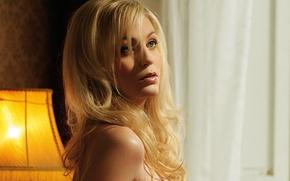 Картинка модель, лампа, портрет, макияж, прическа, блондинка, красотка, Mirna Sola
