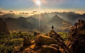 Картинка солнце, скалы, человек, Природа, вершина, панорама, блик