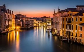 Картинка Venezia, гондолы, Venice, освещение, крыши, город, море, лодки, вечер, здания, фонари, Italy, Гранд-канал, Италия, свет, …