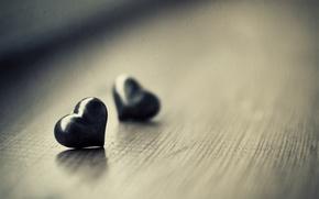 Картинка макро, фото, стол, настроение, обои, сердце, сердечки, разное, heart, wallpapers, ч.б