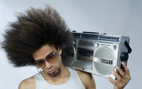 Картинка чувак, кассетник, Афро, мафон