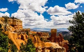 Картинка небо, облака, деревья, горы, скалы, долина