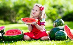 Картинка лето, трава, солнце, радость, улыбка, ребенок, арбуз, бант, beautiful, sun, маленькая девочка, Little girls, Watermelons