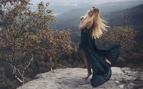 Картинка осень, девушка, горы, природа, платье, блондинка, березы, обои от lolita777