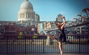 Обои Лондон, танец, балерина, на фоне города, Eponine Bougot