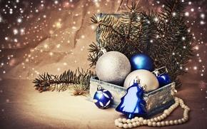Картинка зима, шарики, ветки, коробка, игрушки, ель, Новый Год, Рождество, бусы, ёлка, декорации, белые, Christmas, синие, ...