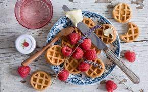 Картинка ягоды, малина, тарелка, ложка, нож, вафли, лаванда