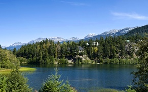 Обои Lake Whistler, домики, горы, деревья, озеро, скалы, Канада, лес