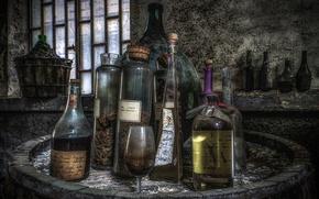 Картинка бокал, фон, бутылки