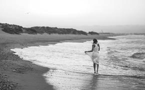 Картинка девушка, берег, прибой