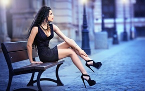 Картинка girl, sexy, dress, legs, woman, model, brunette, heels