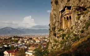 Картинка горы, скала, камни, вид, высота, дома, крыши, колонны, храм, городок, строение, старинное