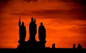 Картинка небо, облака, люди, силуэт, зарево, скульптура