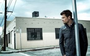Картинка взгляд, здание, куртка, актер, профиль, мужчина, Josh Duhamel, Джош Дюамель