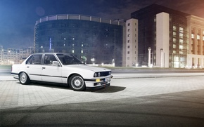 Картинка белый, ночь, улица, здание, бмв, BMW, white, E30, Sedan, 3 Series