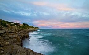 Картинка море, волны, небо, скалы, берег, сине - розовые облака