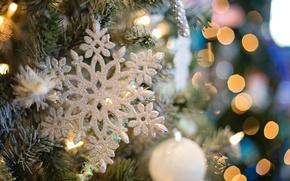 Картинка праздник, игрушки, новый год, шар, рождество, ёлка, снежинка, боке