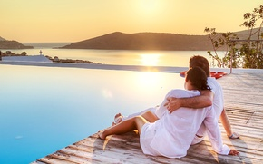 Картинка holiday, vacation, coast, woman, hug, reflection, girl, feeling, sunset, love, houses, sky, man, swimming pool, ...