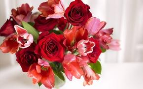 Обои ваза, аромат, тюльпаны, розы, букет