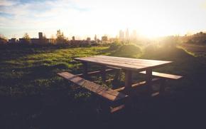 Картинка зелень, трава, деревья, скамейка, природа, фон, widescreen, обои, настроения, листва, дома, луг, лавочка, wallpaper, столик, …