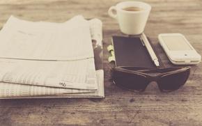 Картинка ручка, очки, photo, чашка, пресса, кофе, photographer, markus spiske, газета, смартфон, блокнот