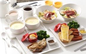 Обои чай, сосиски, кофе, завтрак, хлеб, суп, мясо, салат, брокколи, ассорти, соусы