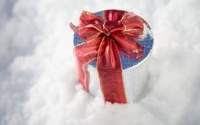 Картинка зима, снег, праздник, подарок, новый год, new year, winter, ленточка, snow, коробочка