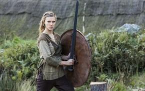 Картинка меч, сериал, щит, воительница, дева, Vikings, Викинги, Gaia Weiss, Джая Уайсс, Porunn