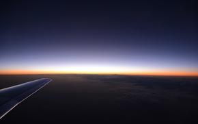 Картинка небо, солнце, свет, снег, горы, lights, огни, восход, скалы, крыло, горизонт, light, полёт, самолёт, skyline, …