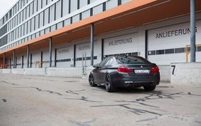 Картинка чёрный, здание, окна, бмв, BMW, black, задок, f10