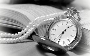 Картинка часы, ожерелье, книга, винтаж