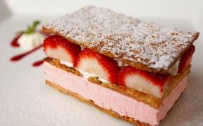 Обои красота, сливки, десерт, сладкое, тортик, дольки, вкуснятина, крем, пирог, клубника, ням-ням, вкусное, белый фон, лакомка, ...