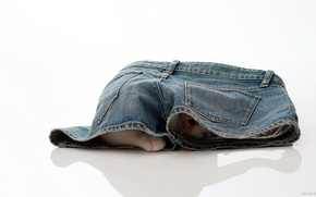 Картинка джинсы, прятки, котёнок