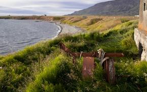 Картинка море, трава, берег, веревка, Исландия, постройка, железка