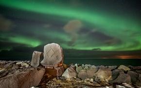 Картинка море, звезды, горы, ночь, камни, Северное сияние
