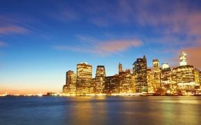 Картинка город, огни, река, здания, дома, Нью-Йорк, небоскребы, вечер, USA, США, Манхэттен, New York, Manhattan, NYC, …