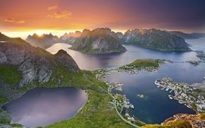 Картинка море, солнце, облака, лучи, закат, горы, Норвегия, зарево, Лофотенские острова