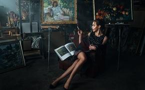 Картинка девушка, дым, портрет, интерьер, платье, брюнетка, сигарета, туфли, картины, ножки, sexy, искусство, studio, накидка, beauty, ...