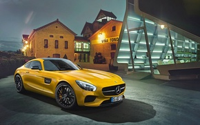 Обои mercedes-benz, amg, gt, 2015, yellow, supercar, front, house