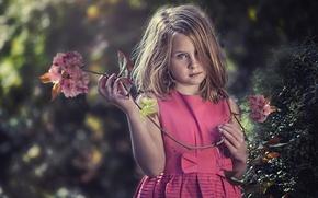 Картинка взгляд, вишня, настроение, ветка, девочка, веснушки, рыжая, рыжеволосая, цветки, конопатая
