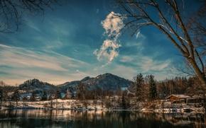 Картинка зима, небо, облака, снег, горы, озеро, дом
