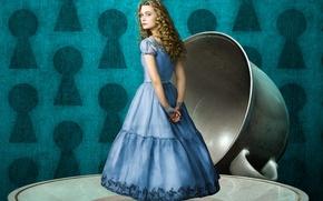 Картинка фон, фэнтези, чашка, Alice in Wonderland, Алиса в стране чудес, блюдце, Mia Wasikowska, Миа Васиковска