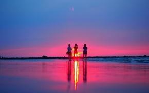 Картинка пляж, закат, девушки