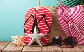 Обои шляпа, очки, accessories, vacation, отдых, sun, beach, пляж, sand, каникулы, summer, starfish, лето, сланцы